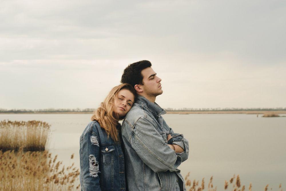 5 Tanda Ini Menunjukkan Kamu Adalah Wanita Setia Idaman Para Pria