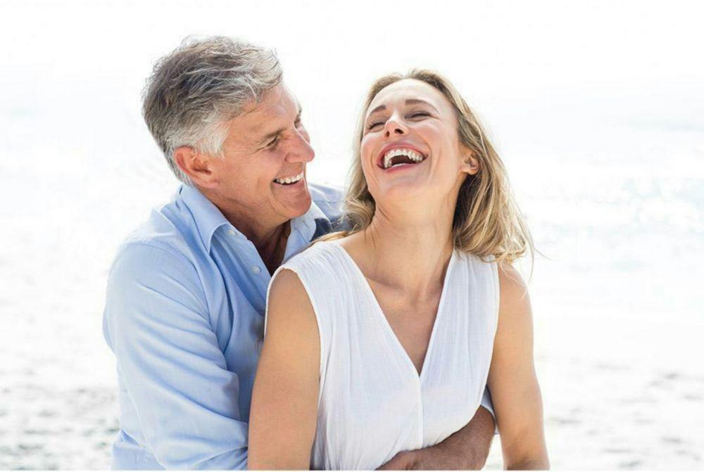 5 Hal Ini Bakal Kamu Rasakan Saat Mengencani Pria yang Lebih Tua