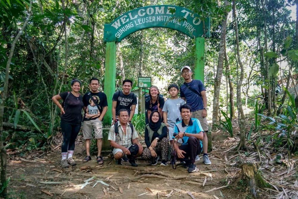 10 Potret Wisata Bukit Lawang, Serunya Bertualang Bertemu Orangutan