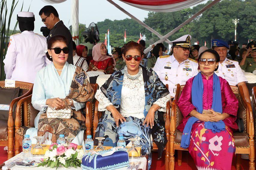 Jalan Susi Pudjiastuti Menjadi Menteri: Karena Jokowi Perlu Orang Gila