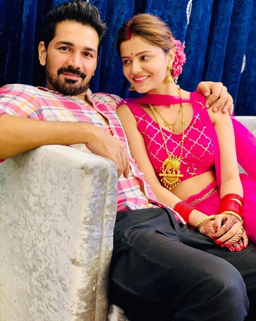 Romantis, Ini 10 Artis Bollywood Yang Melakukan Puasa Karva Chauth