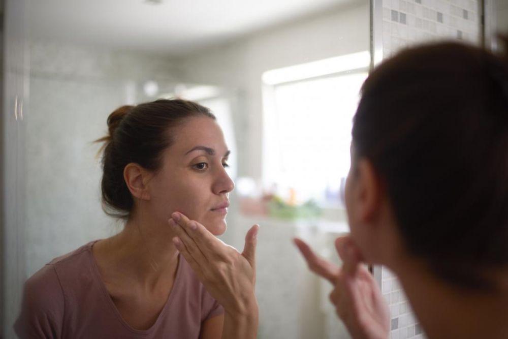 Apa Itu Body Dysmorphic Disorder? Jangan-jangan Kamu Mengidapnya?