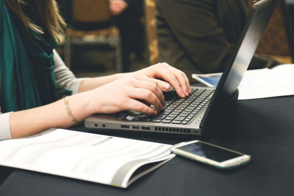 5 Jenis Pekerjaan Freelance untuk Menambah Pundi Keuangan Millennial