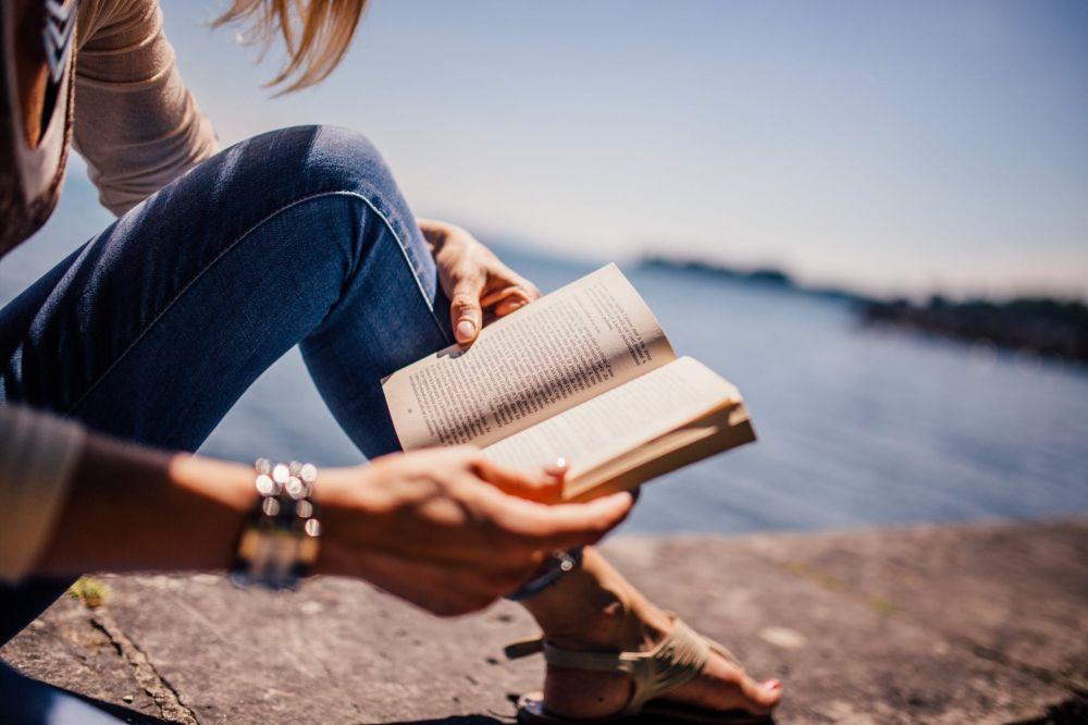 Ini 5 Kepribadianmu Jika Kamu Hobi Pakai Jam Tangan di Kanan