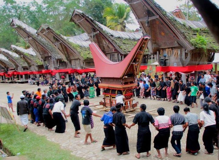 6 Perbedaan Rambu Solo' dan Rambu Tuka' dalam Upacara Adat Suku Toraja