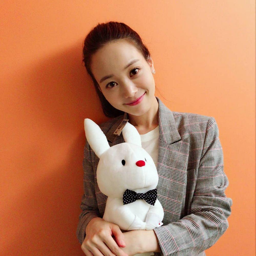 10 Pesona Son Yeo Eun, Mantan Kekasih Kim Rae Won di Crazy Romance