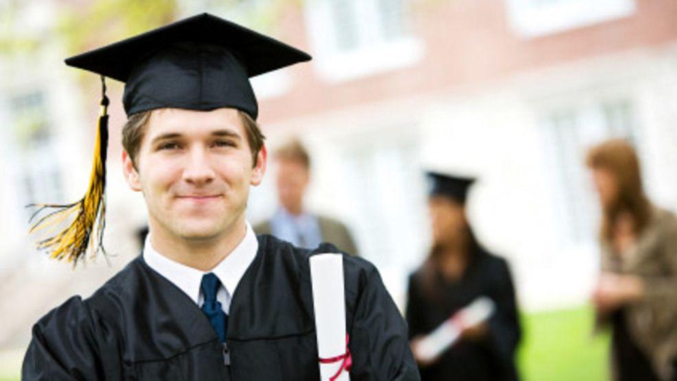 5 Tips Jitu Biar Kamu Gak Dicap 'Sarjana Kertas', Perluas Wawasanmu Ya
