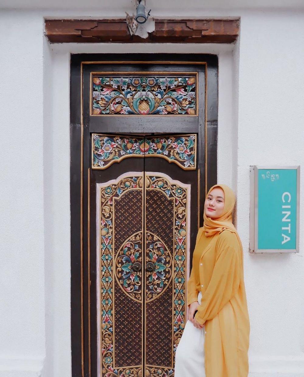 Baru 23 Tahun,8 Perjalanan Karier Dinda Hauw yang Menginspirasi