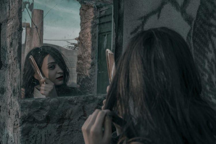 Girls, 5 Kebiasaan Sepele Ini Bisa Bikin Rambutmu Lepek dan Lengket