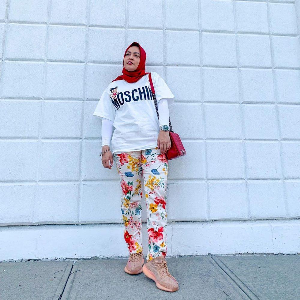 10 Ide Mix and Match T-shirt untuk OOTD Hijabers ala Astrid Kuya