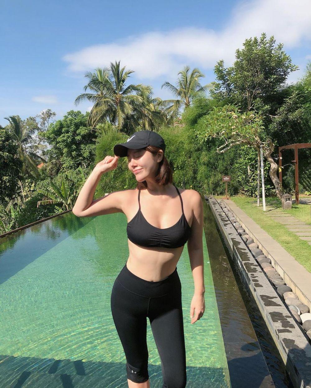 Baru Menikah, 10 Potret Menawan Navi, Idol KPop yang Honeymoon di Ubud