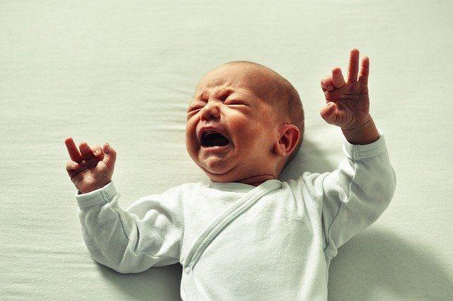 5 Tanda yang Harus Mama Muda Tahu kalau Bayi sedang Sembelit
