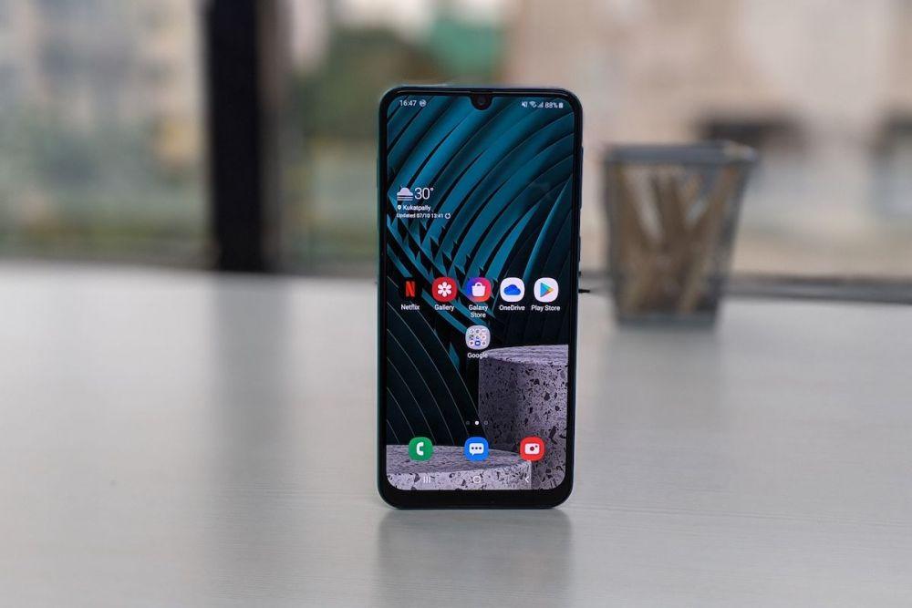 5 Smartphone Mid-End 2019 yang Masih Layak Pakai di Tahun 2020