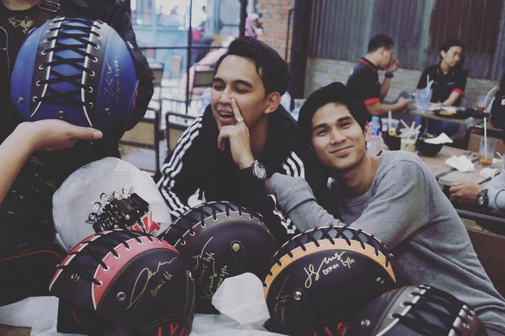 11 Potret Perjalanan Karier Naga bersama LYLA Band yang Bikin Kangen