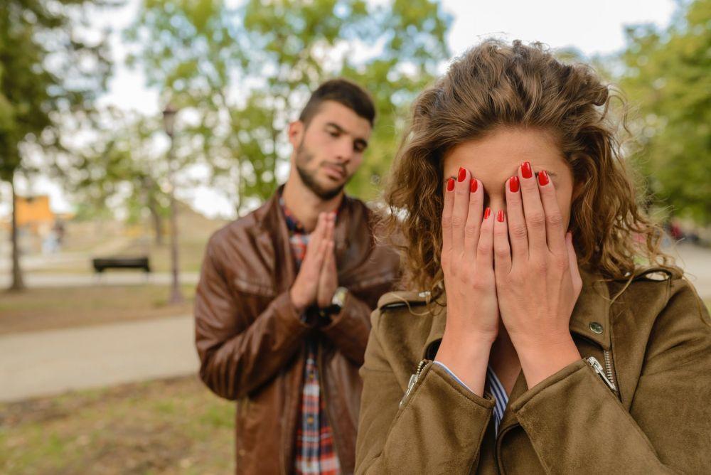 Selain Posesif, 8 Sikap yang Bikin Pasangan Jenuh dan Berpaling