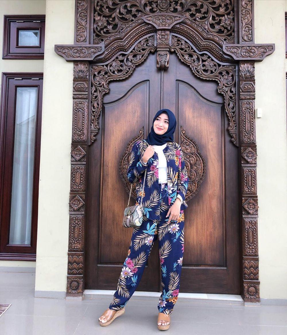 Memesona, 10 Gaya Hijab Chaca Thakya yang Sederhana Namun Elegan