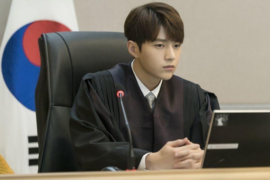 Malaikat Hingga Hakim, 10 Peran Memukau L Infinite di Berbagai Drama