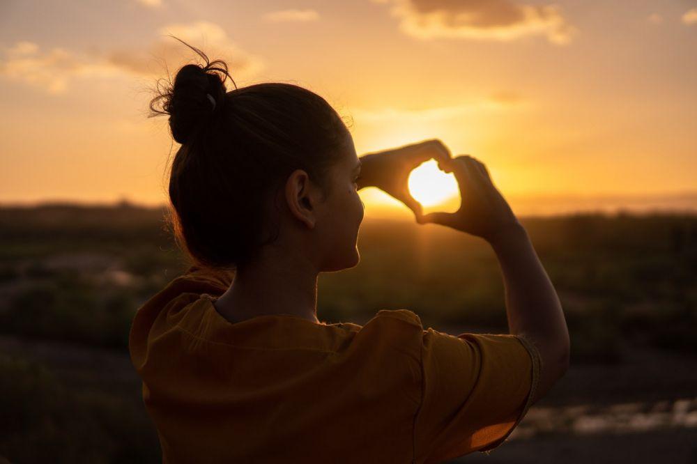 5 Pemikiran yang Membuat Orang Kurang Percaya Diri, Segera Hentikan!