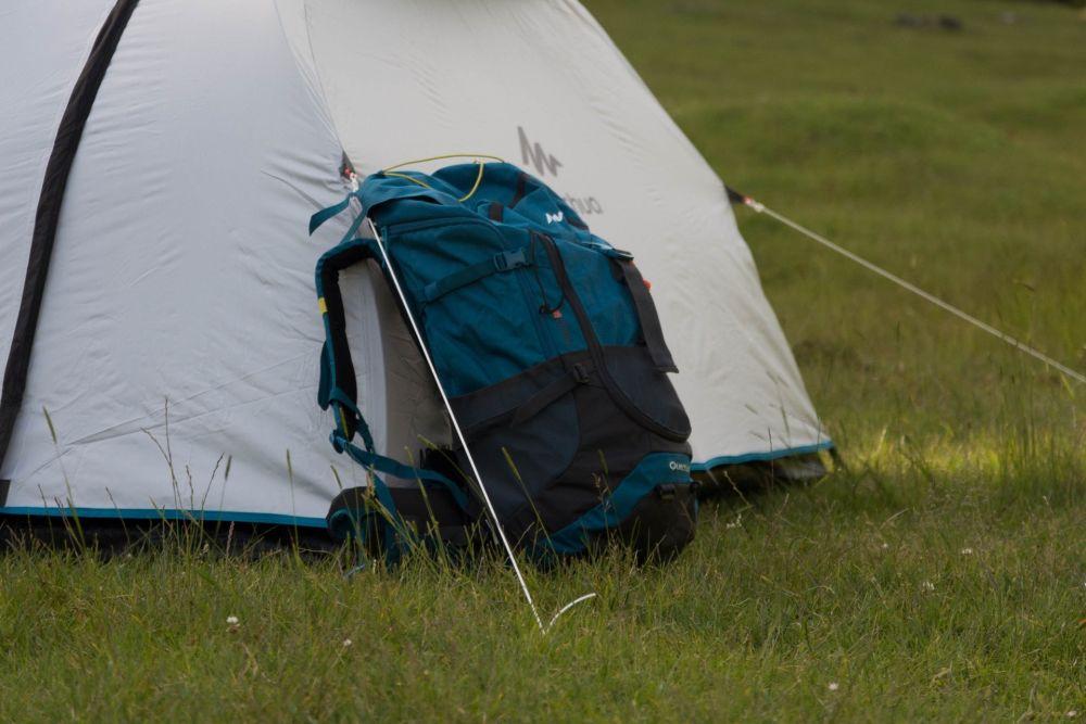 9 Tips Penting Mendirikan Tenda, Tidur Jadi Aman dan Nyaman