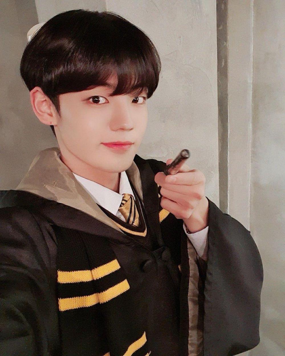 10 Potret Chan A.C.E, Pemeran Son Bo Hyun dalam Twenty Twenty