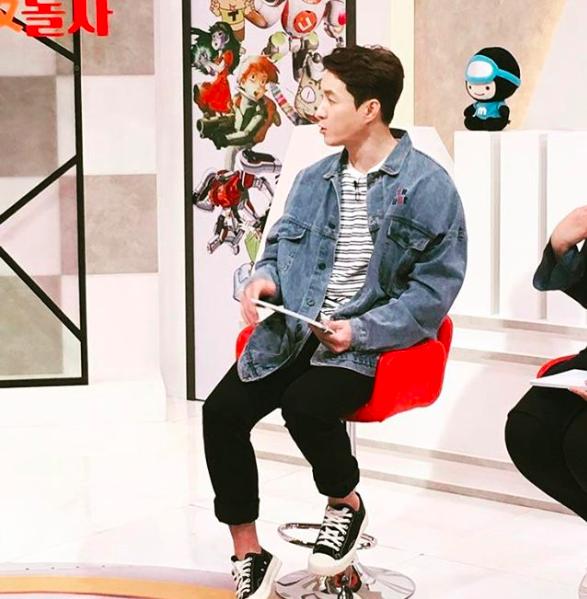 10 Inspirasi Outfit ala Aktor Shim Hyung Tak, Kece nan Simpel!
