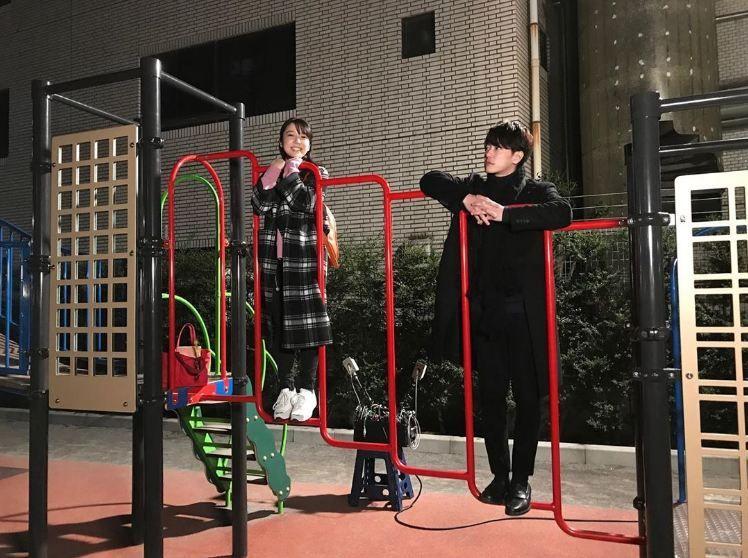 Tak Seribut di Drama, 10 Foto Manis Takeru Sato dan Mone Kamishiraishi