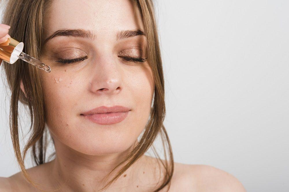 5 Kandungan Skincare untuk Bantu Tambah Produksi Kolagen dalam Kulit