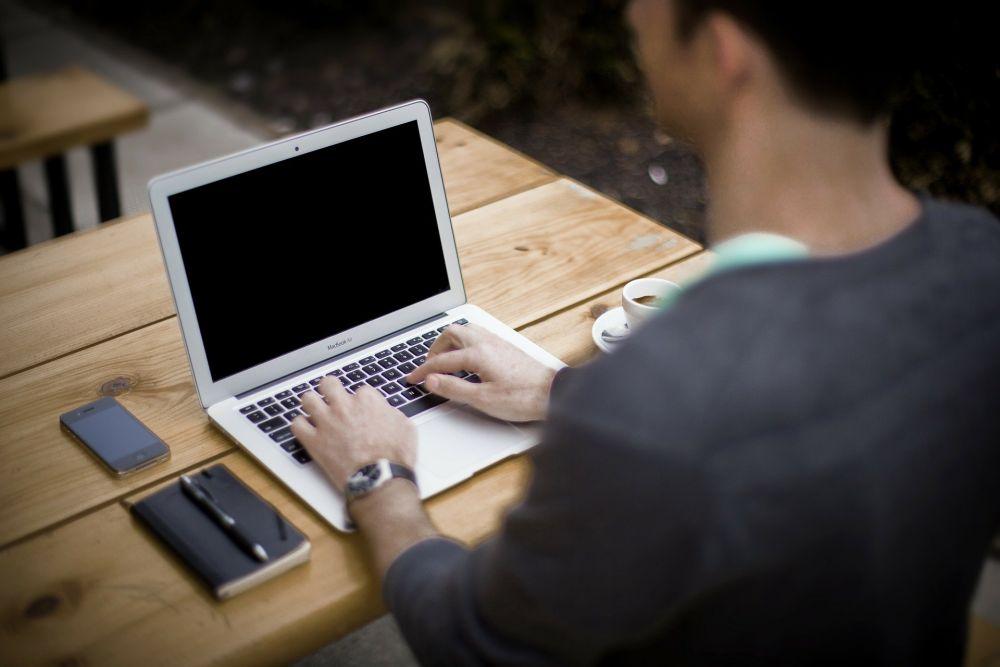 5 Alasan Menulis Merupakan Kegiatan Produktif Saat Ada #DiRumahAja