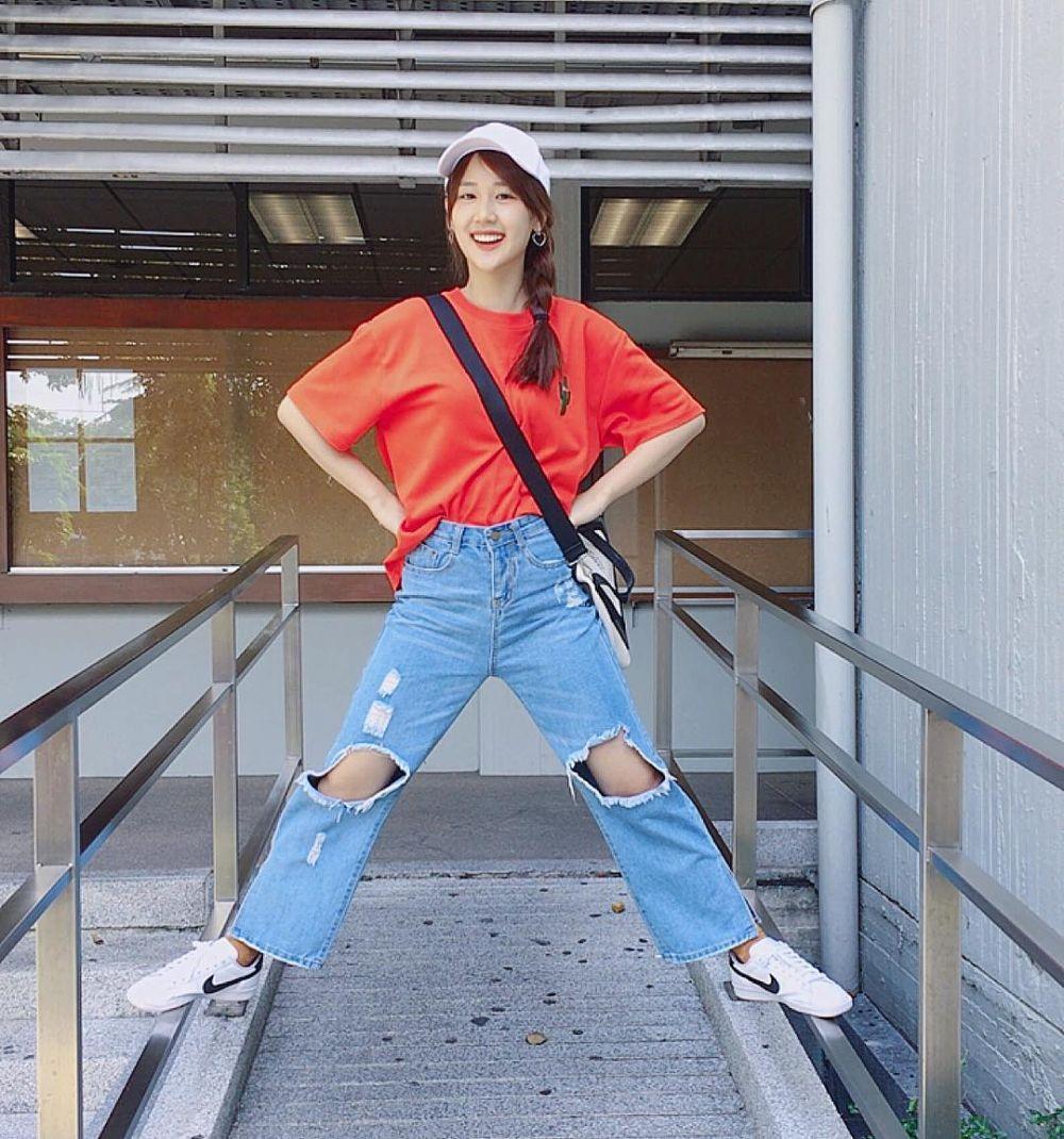 15 Street Style ala 'Jane' Ramida Jiranorraphat, OOTD-nya Menggemaskan