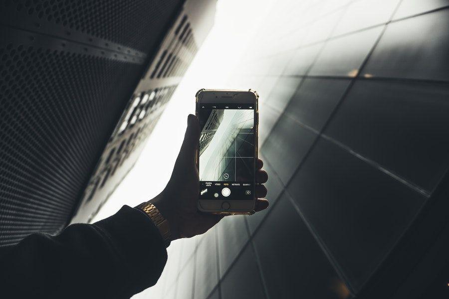 5 Filosofi Hidup dari Smartphone di Genggamanmu yang Penuh Makna!
