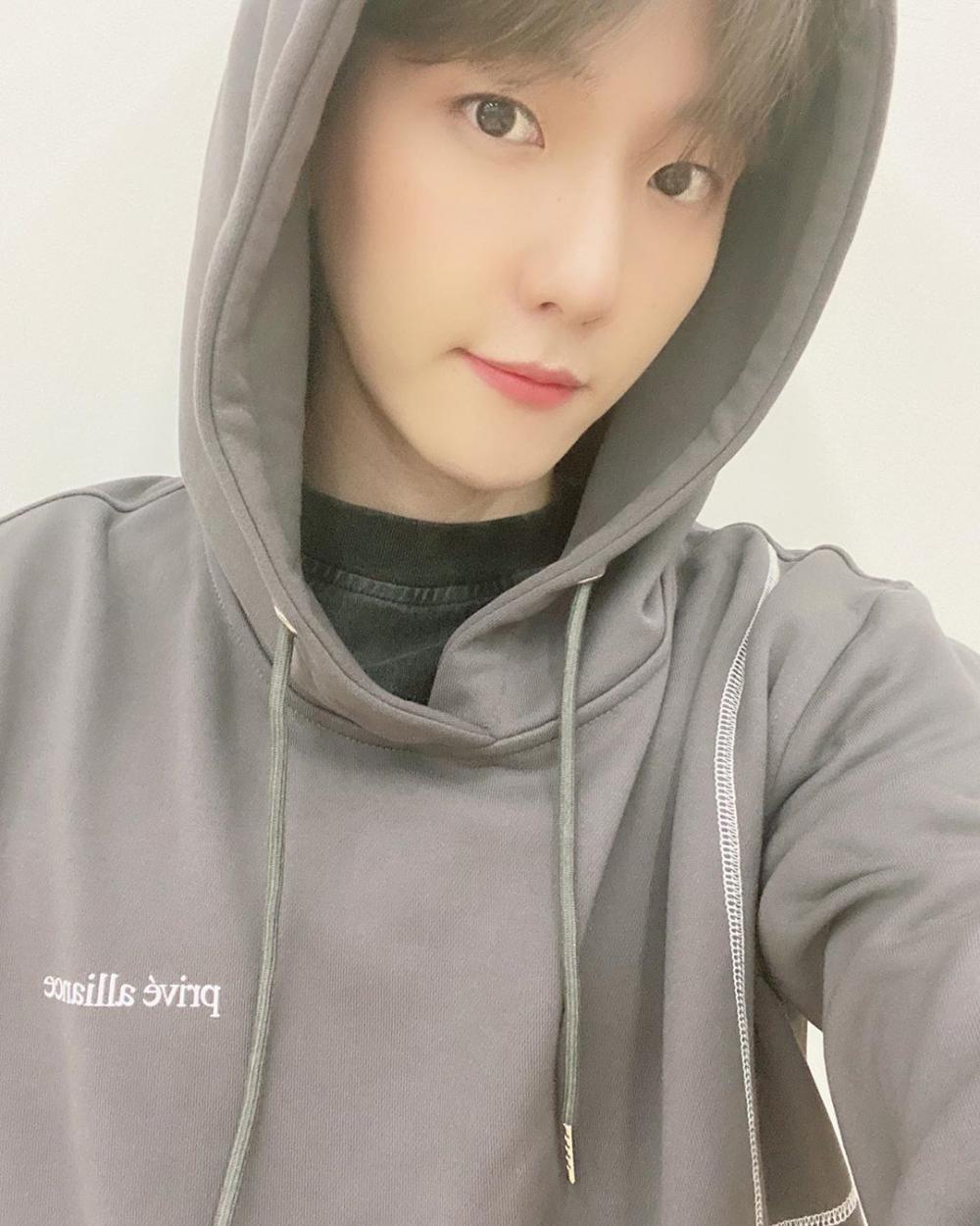 Genap 28 Tahun, 10 Potret Baekhyun EXO yang Bikin Sangsi Akan Usianya!