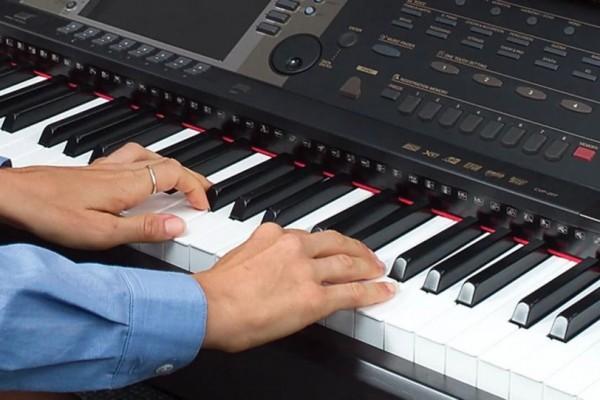 5 Rekomendasi Keyboard Piano 88 Tuts, Cocok untuk Pemula & Profesional
