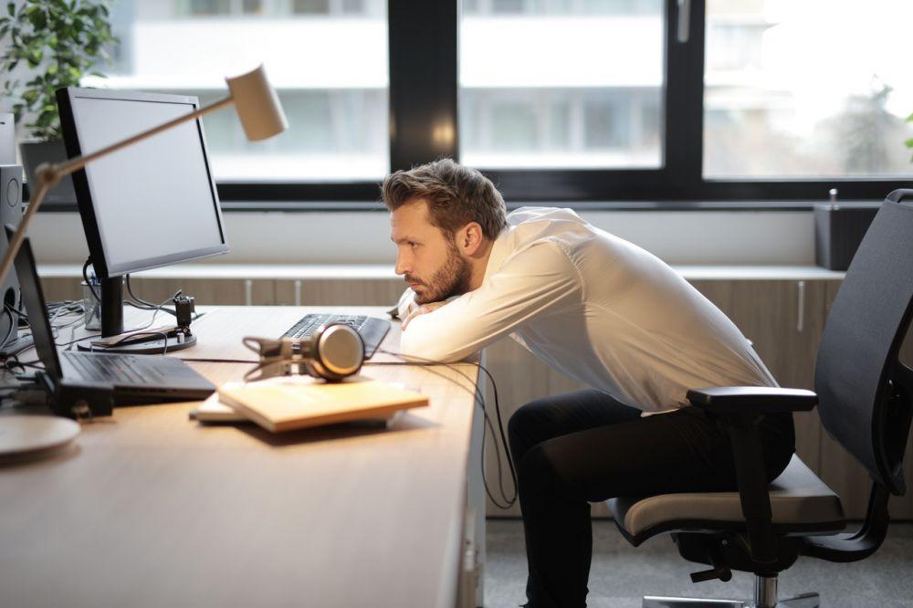5 Cara Memperbaiki Mood-mu saat Jenuh Bekerja