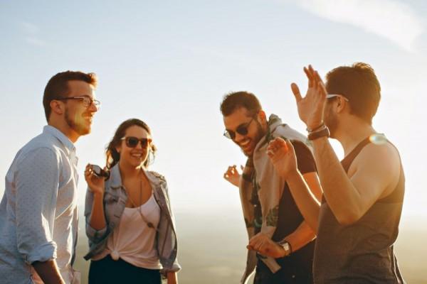 Coba 5 Cara Cerdas Ini saat Janjian Sama Teman yang Suka Datang Telat