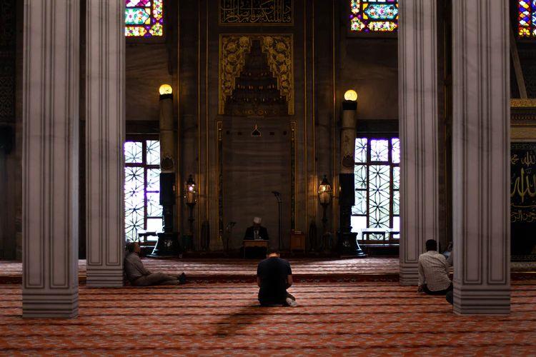 9 Doa Mustajab yang Bisa Kamu Baca Saat Malam Lailatulqadar