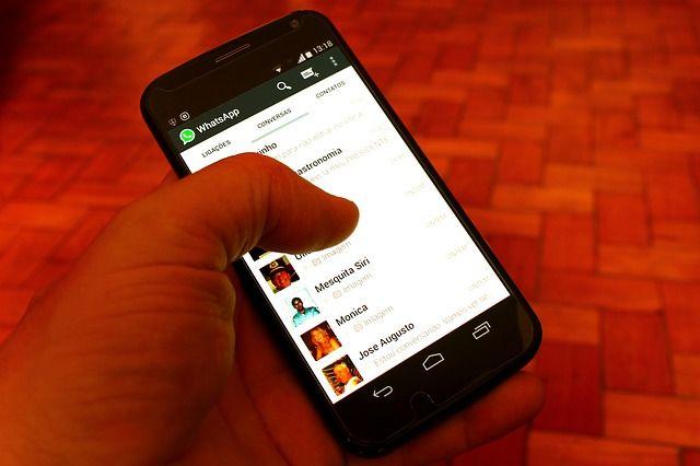 Waspada Ponsel Diretas! Kenali 5 Ciri-ciri Penyadapan WhatsApp