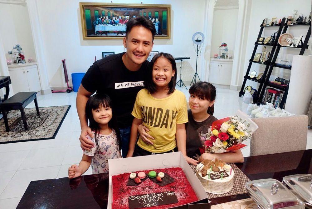 Makin Glowing, 10 Potret Istri Choky Sitohang  yang Hamil Anak Ketiga