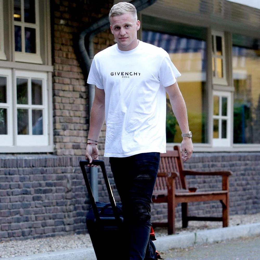 10 Fakta Istimewa Donny van de Beek yang Selangkah Lagi Jadi Pemain MU