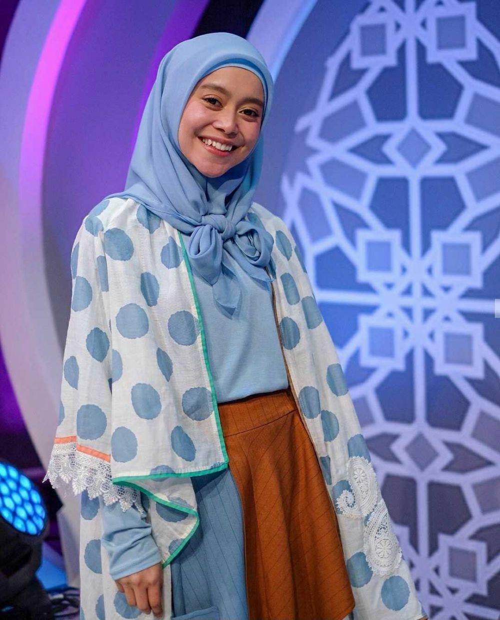 Sama-sama Pedangdut Hits, 10 Beda Gaya Lesty Kejora dan Siti Badriah