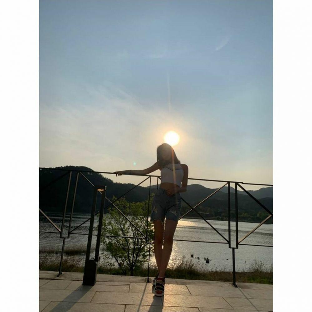 10 Pesona Soojin (G)I-DLE dengan Rambut Pendek Barunya, Makin Memikat!