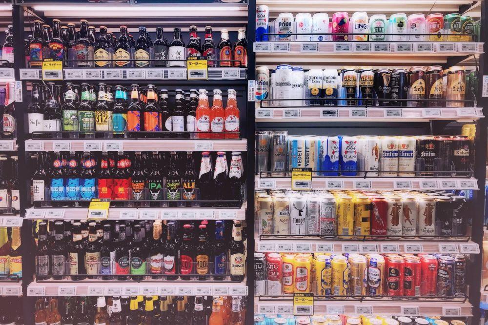 5 Dampak Buruk Menikmati Minuman Langsung dari Kalengnya, Bahaya!