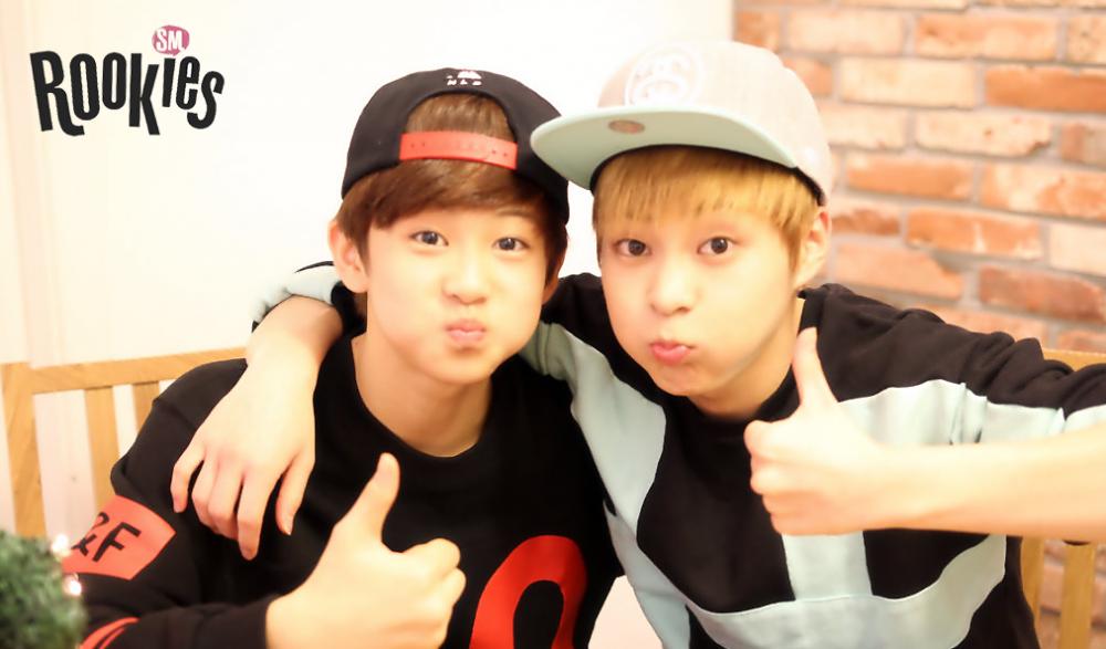 9 Potret Kedekatan Xiumin EXO dan Mark NCT, Gemas Bak Kakak Adik!