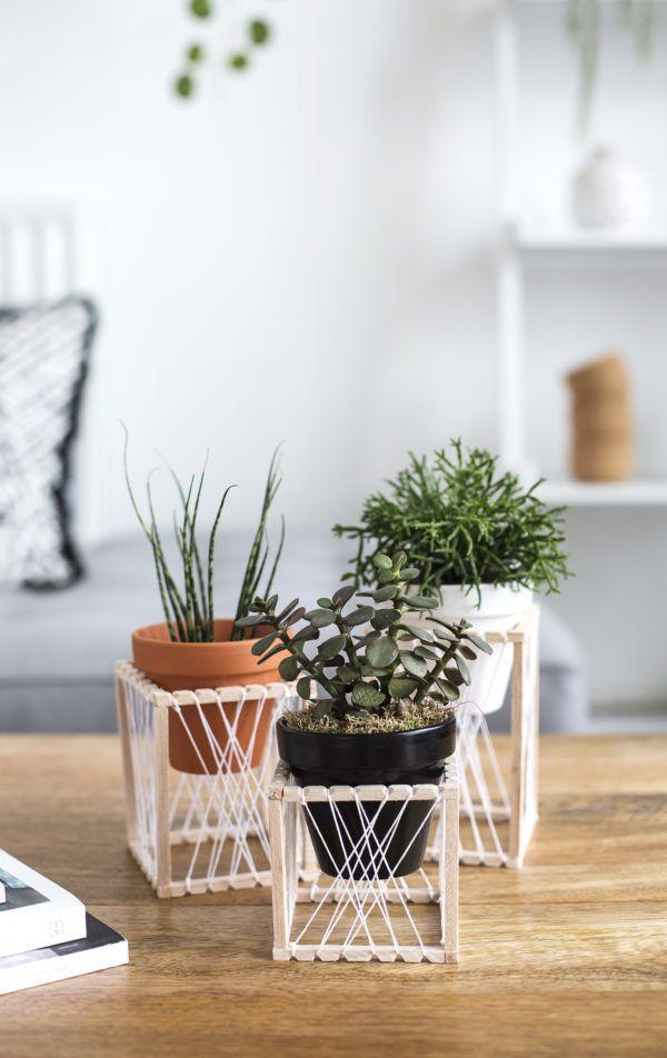 diy decorative plant stands 1 600x952 141f34a31c2141330d29fb773ca92021 - Hias Kebun dalam Rumah