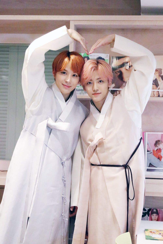 9 Potret Imut Kedekatan Jungwoo dan Jaemin NCT, Gemas Bak Kakak Adik