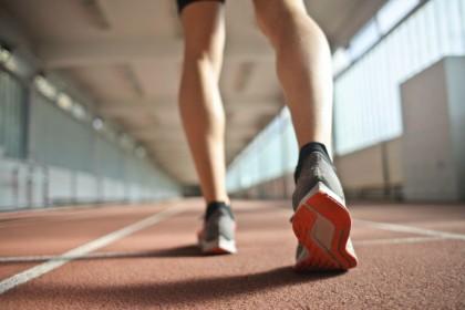 5 Rekomendasi Sepatu Cowok Cocok Digunakan Olahraga Lari
