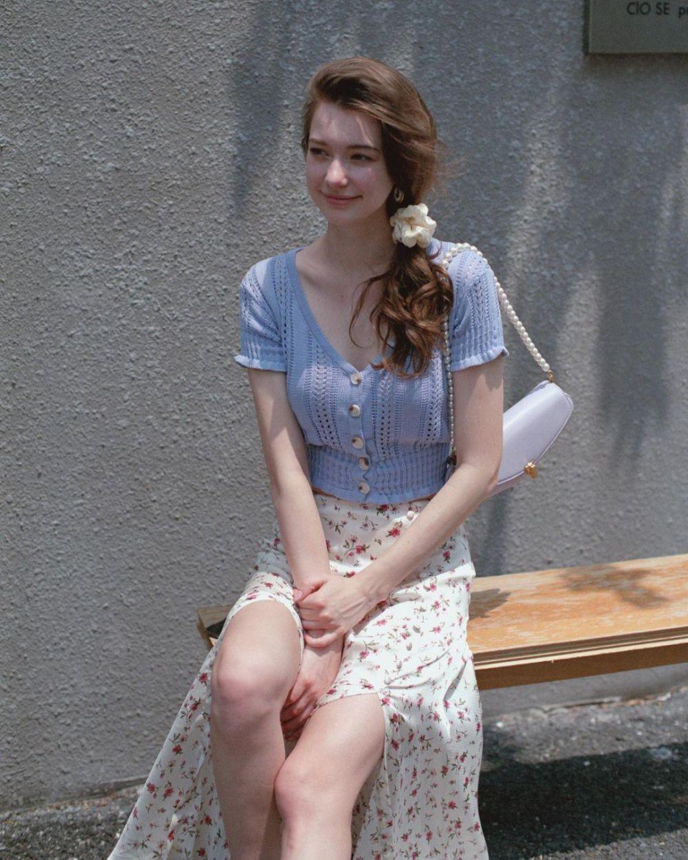 10 Potret Anastasia Cebulska, Model Asal Belarus yang Menawan Abis