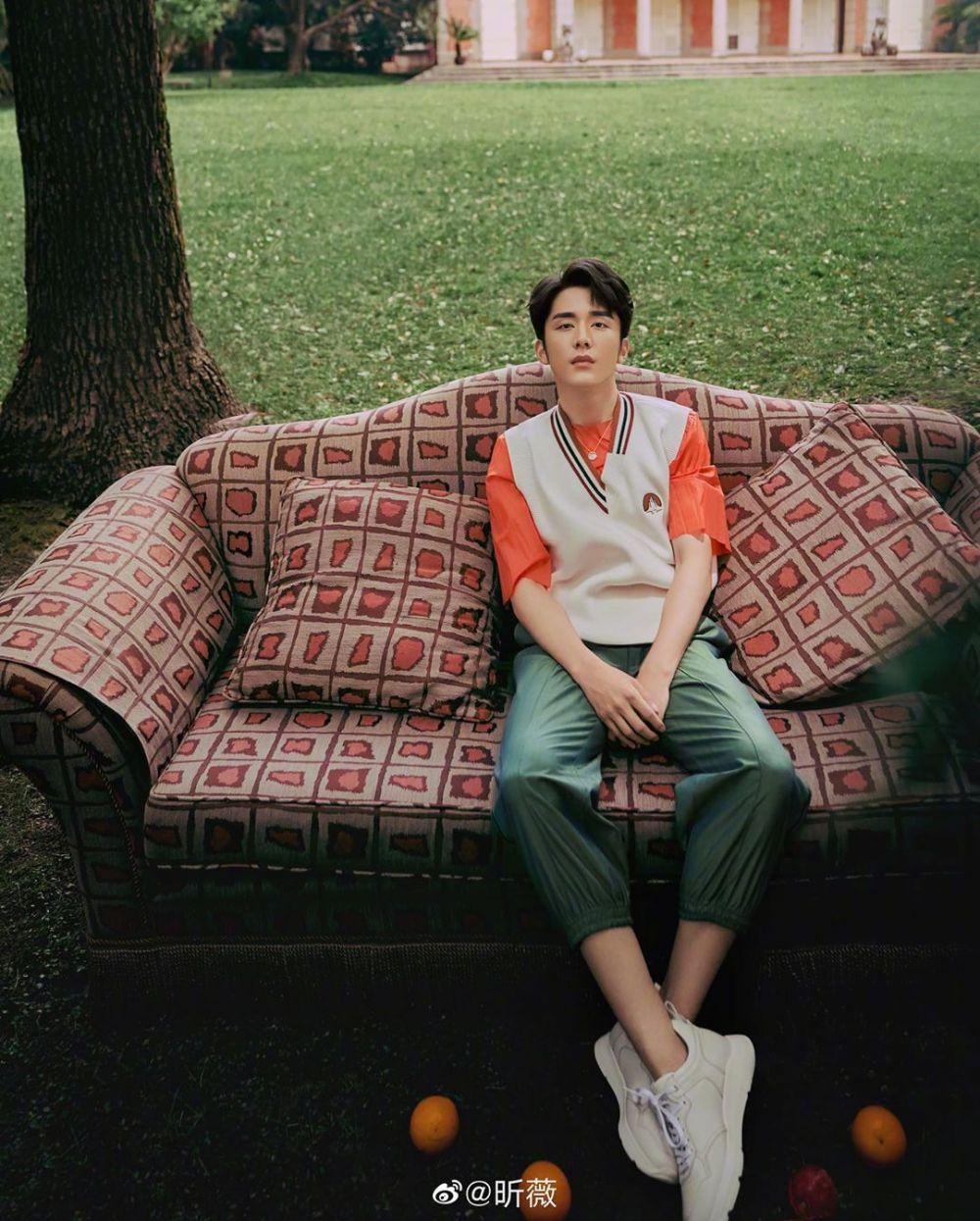 10 Pesona Steven Zhang, Pemeran He Ziqiu di Drama China 'Go Ahead'