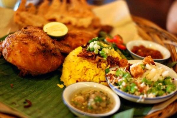 5 Kuliner Nasi Khas Bali yang Nikmatnya Bikin Kamu Speechless!