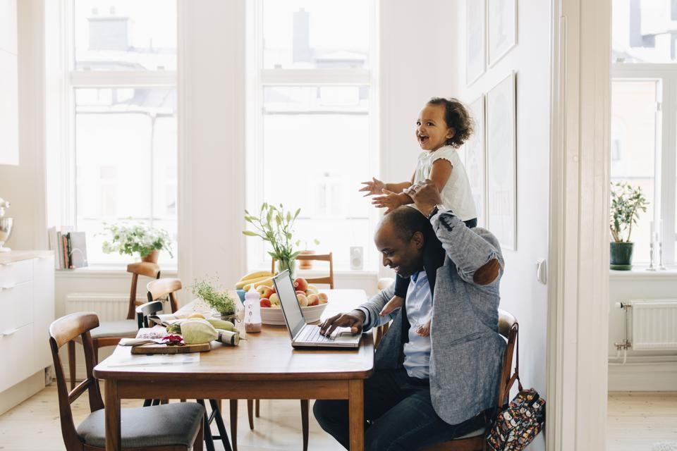 Kerja di Rumah, 5 Zodiak ini Mampu Tampil Produktif Selama Karantina