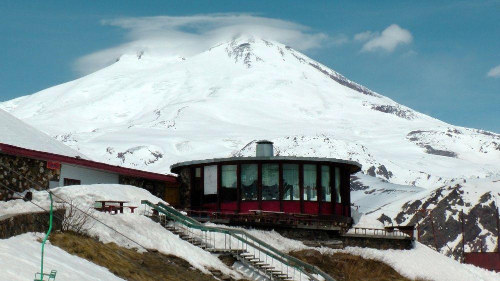 10 Fakta Keren tentang Gunung Elbrus, Titik Tertinggi di Benua Eropa!